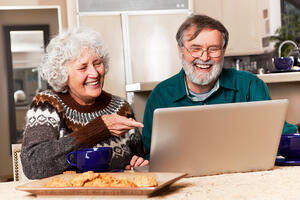 Computer games for seniors in Federal Way offer fun and brain fitness